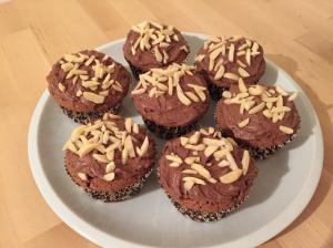 Schoko-Muffins mit Nussnougst-Creme