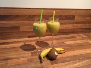 Kiwi-Pfirsich-Smoothie