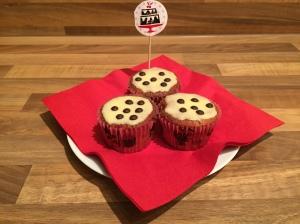Eierlikör-Preiselbeer-Muffins