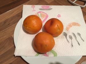 weich gekochte Orangen mit Schale