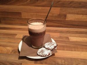 "Chai Latte mit ""Chai-Latte-Schoko-Cookies"""