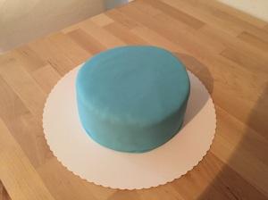 Torte eingedeckt mit Fondant -von oben-