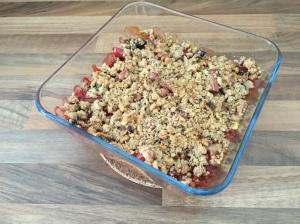 Rhabarber-Erdbeer-Crumble mit Ingwer