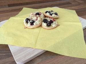 Streusel-Pudding-Taler mit Brombeeren