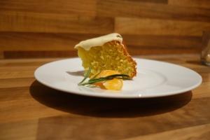 Mandarinen-Olivenöl-Kuchen mit Rosmarin