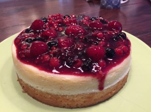 American Cheesecake mit Beeren-Topping