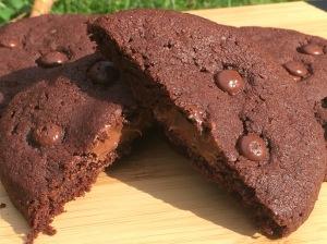 Double Chocolate Cookies mit weichem Schokoladenkern